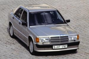 Прикрепленное изображение: Mercedes_190E_Cosworth_1.jpg