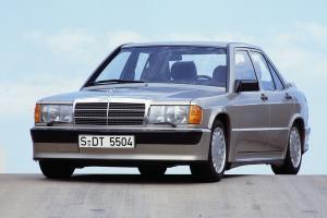 Прикрепленное изображение: Mercedes_190E_Cosworth_17.jpg