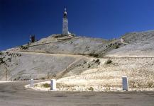 Прикрепленное изображение: Mont_ventoux_summit.jpg