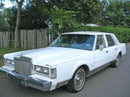 Прикрепленное изображение: full_1986_Lincoln_Town_Car_12064_1.jpg