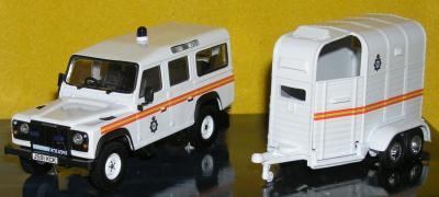 Прикрепленное изображение: Land_Rover_Defender_PA040084.JPG