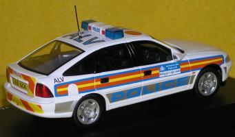 Прикрепленное изображение: Vauxhall_Vectra_1997_P2060149.JPG