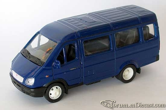 GAZ 32212.jpg