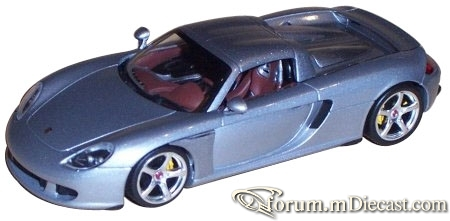 Porsche Carrera GT 2003 Minichamps.jpg
