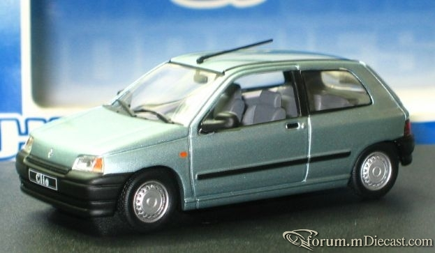 Renault Clio 1990 3d Universal Hobbies.jpg