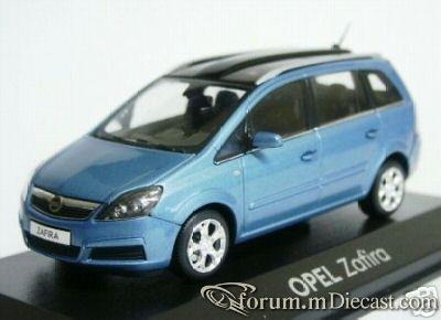 Opel Zafira B 2005 Minichamps.jpg