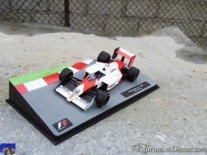McLaren MP4-4 1988_0-0.jpg