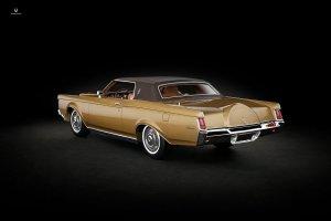 1-18 Lincoln Continental Mark III 1970 CMF 3.jpg
